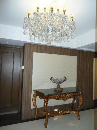 BEST WESTERN PREMIER Majestic: hall dos apartamentos