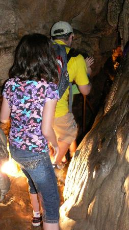 Kentucky Down Under Adventure Zoo: Kinda narrow passage in the cave