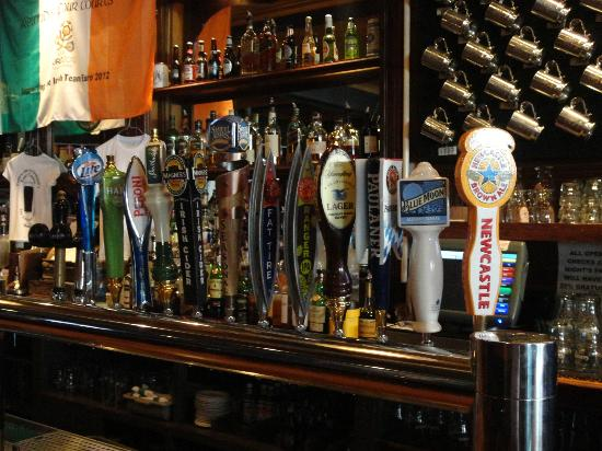 Ireland Four Courts: Beers/Cider on tap