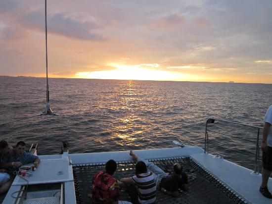 Seahorse Sailing: Sunset dinner cruise