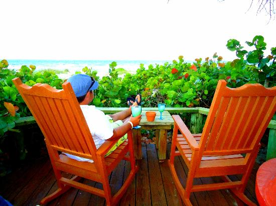 Beach Place Guesthouses : Rocking chairs all around