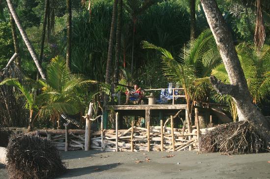 Rancho Burica: Beach deck