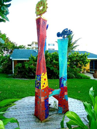 Beach Place Guesthouses : Functional Art - Outdoor Showers
