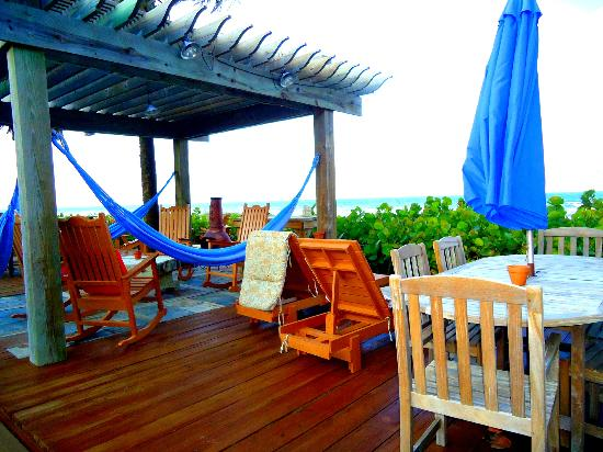 Beach Place Guesthouses: My favourite deck area
