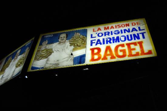 Fairmount Bagel : bagels at 2am!