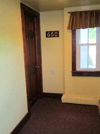 Hershey Farm Inn: Entrance to farmhouse suite 660