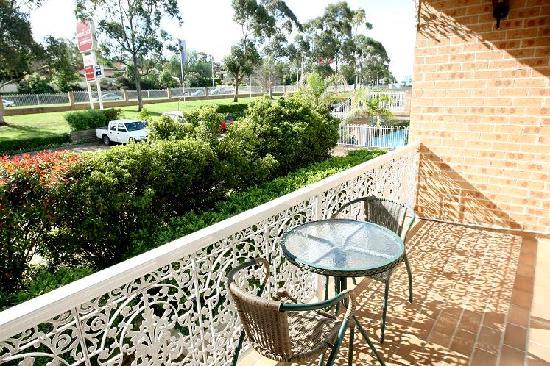 The Hermitage Motel : Private Balcony