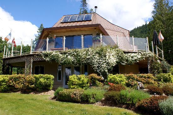 Enchanter Oceanview Suites: getlstd_property_photo