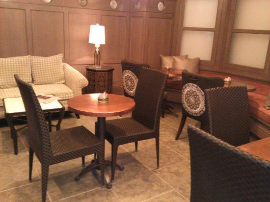 Hotel Chandler: Dining area
