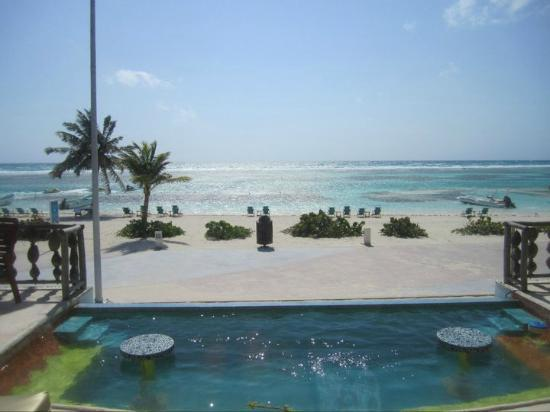Nacional Beach Club & Bungalows: The view from the deck
