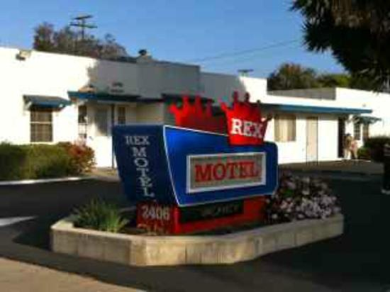Rex Motel: The awesome sign out front