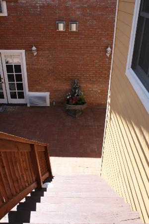 Heritage Inn Bed and Breakfast: View from the top of our stairs