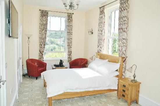 Wildercombe House: Bed 8, Double + single pullout bed