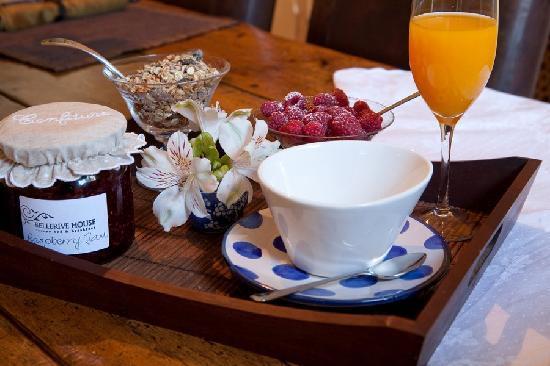 Breakfast, Bellerive House