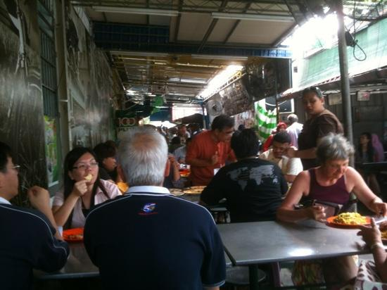 Nasi Kandar Line Clear: Can't be avoided, tables needed to be shared