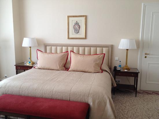 Baur au Lac: Comfy bed