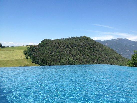 Hotel Alpenflora: piscina !!!
