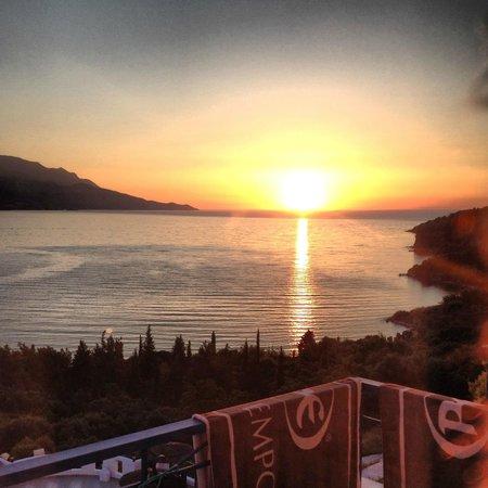 Hotel Andromeda: Solnedgång från balkongen