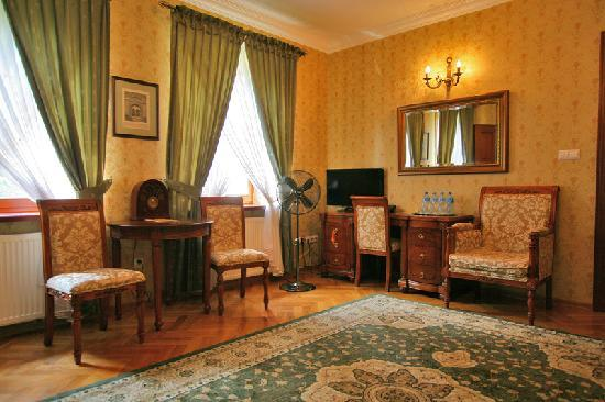 Hotel Sarmata: Two room suite in Manor House