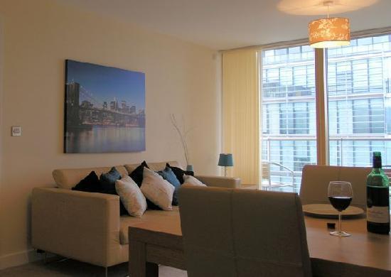 Cotels Serviced Apartments: Lounge