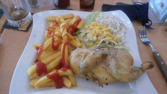 The Red Cow Restaurant & Sports Lounge: chicken & chips