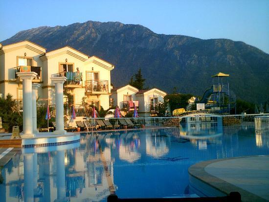 Royal Park Artemisia Club: hotel pool