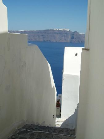Merovigla Apartments: Oia - steps to the sea