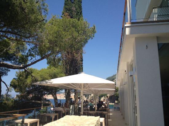 Villa Dubrovnik: dining terrace