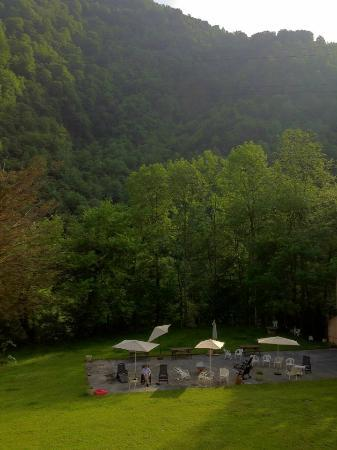 Les Fontaines d'Escot : View from our room