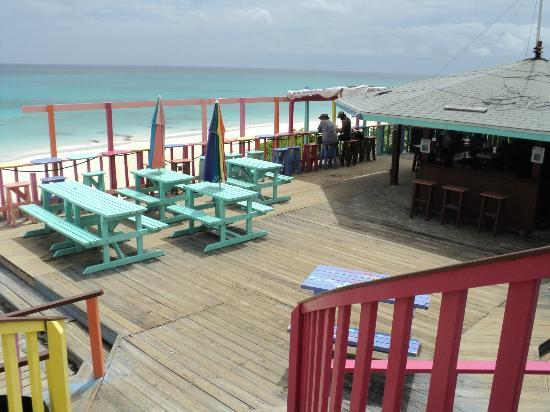Nippers Beach Bar & Grill: Nippers Bar and Beach Patio