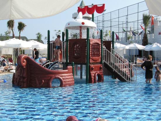 Delphin Imperial Hotel Lara: kids pool pirate ship