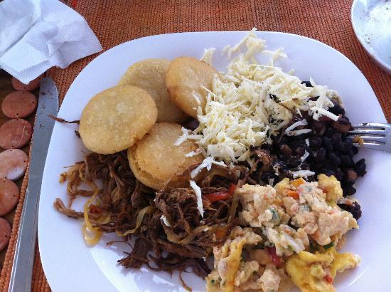 Posada Galapagos: Desayuno criollo ¡buenísimo!