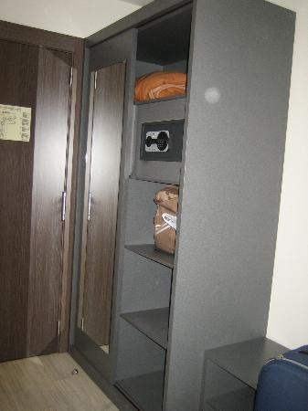 H2 Fuenlabrada: armario, caja fuerte.....