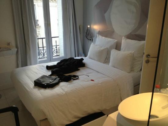 BLC Design Hotel: Bed