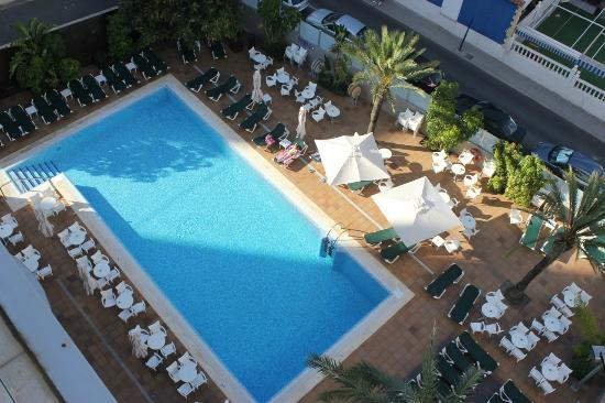 Hotel RH Royal - Adults Only: View of the pool from 708