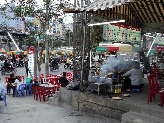 Da Lat, Vietnam: уличное кафе