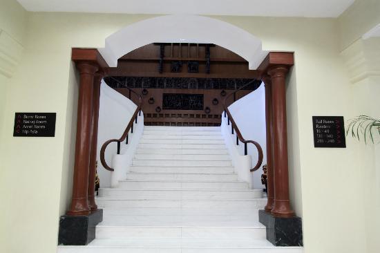 Vivanta by Taj - Connemara, Chennai: Lobby