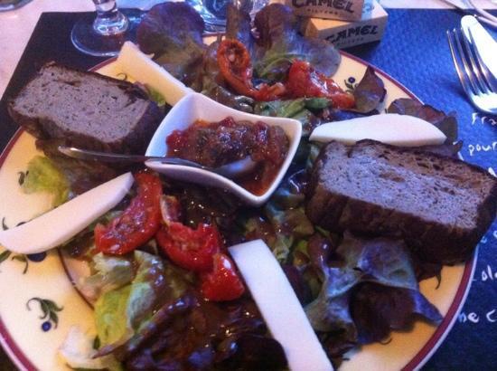 Le Repaire: salade méditerranée