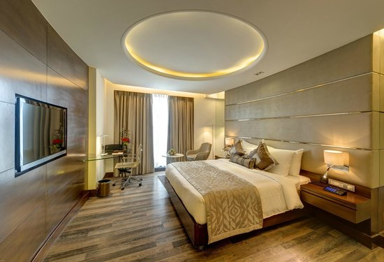 The HHI Pune: Suite room