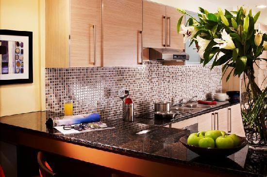 Somerset West Bay: Kitchen