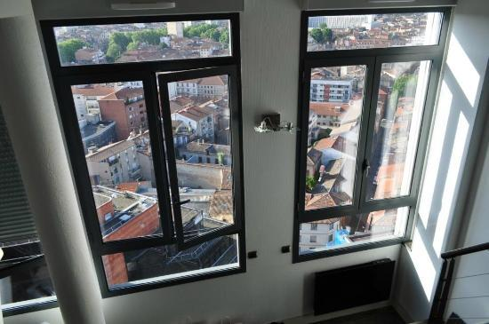 The Lofts Toulouse: Large panoramic windows