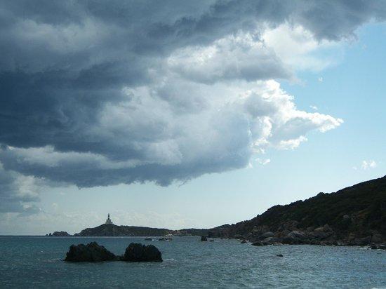 Area Marina Protetta Capo Carbonara : Nuvole sull'isola dei Cavoli