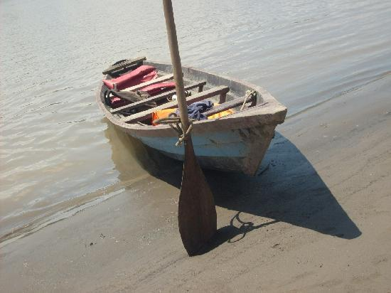 La Fuente del Amazonas Lodge : canoa