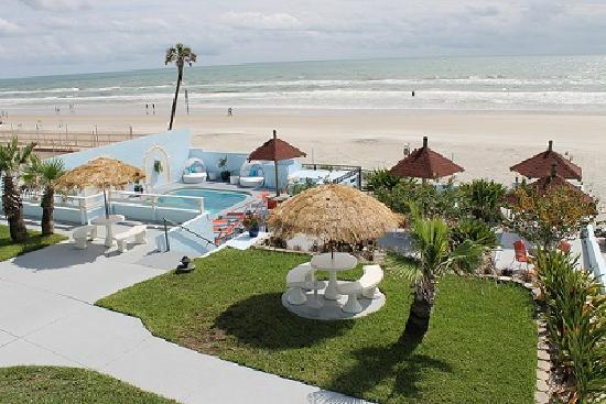 Dream Inn : view from oceanfront rooms