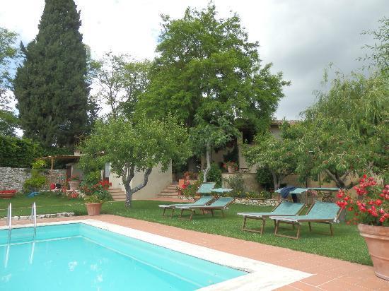 Casolare di Libbiano: Jardín