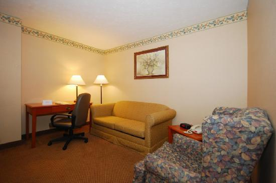 Country Inn & Suites By Carlson Fairborn South: King Suite