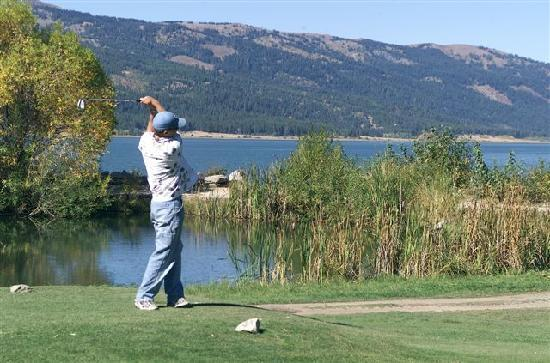Ashley Inn: Cascade Golf Course on the Lake is affordable and yet the views are priceless