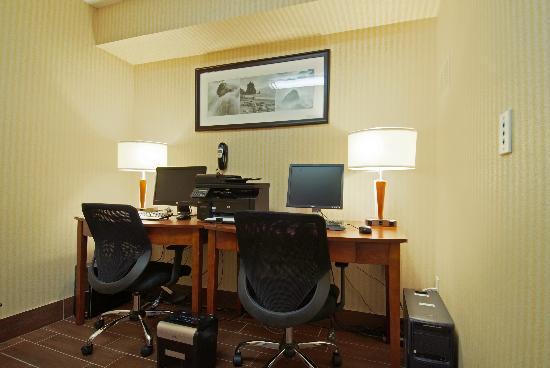 Best Western Kitchener-Waterloo: Business Center