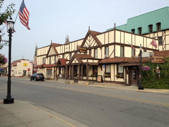 Sherman House Restaurant & Inn : Perfection! A real Americana Experience with a German Flair
