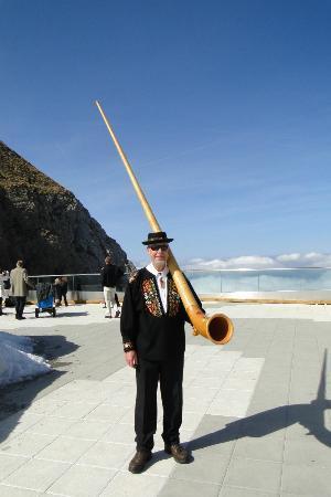 Hotel Pilatus-Kulm: Alpine Hornist